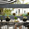 silla-masters-philippe-starck-terraza-gris-ambar-muebles